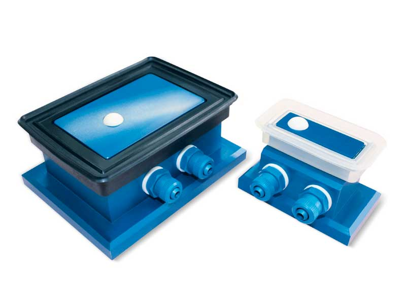 Rectangular vacuum cups with ball valve and self-locking support